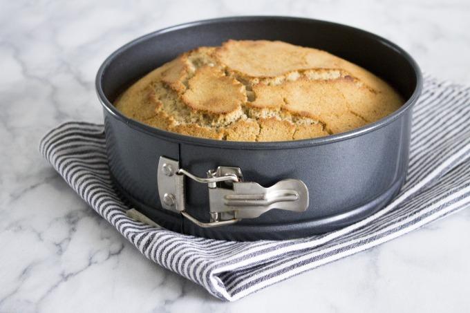 cake-tin-2343232_1920
